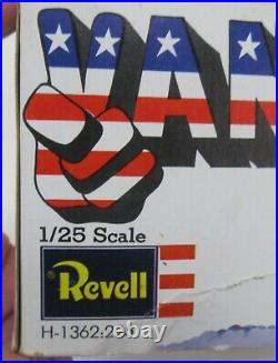 1971 Revell #H1362225 VOLKSWAGEN VAN Deal's Wheels 125 model kit PARTS MINT