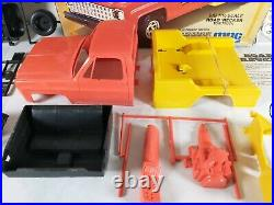 1981 MPC Road'Recker Tow Truck Action Snaps 116 Model Kit # 1-3502 Parts Lot