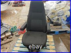 2006 International 9200i BOSTROM Air Ride Seat Model# 2339177-550, T915