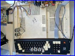 Radio Shack TRS-80 Model 4 MicroComputer Computer 26-1067 for Parts or Repair