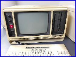Rare Vintage Radio Shack/tandy Trs-80 Portable Computer Model 4p As-is For Parts